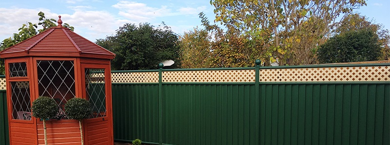 garden fence installed by Colourfence