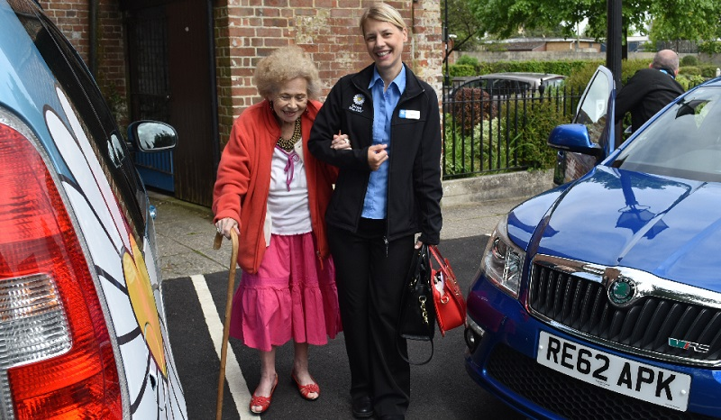 Driving Miss Daisy franchise helping elderly customer