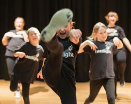 Footlights franchise business opportunity drama performance multi-award award-winning performance arts classes acting music dance franchising creative marketing training support lucrative profitable