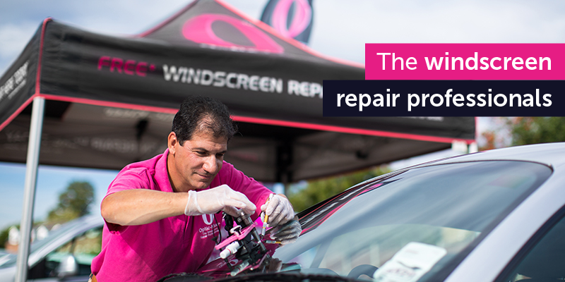 optic-kleer franchisee making windscreen repairs