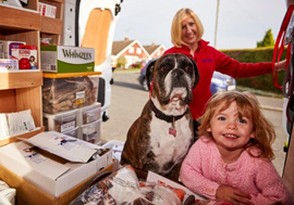 oscars pet food franchisee with her family