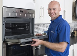 ovenclean franchisee owen rowlands cleaning oven