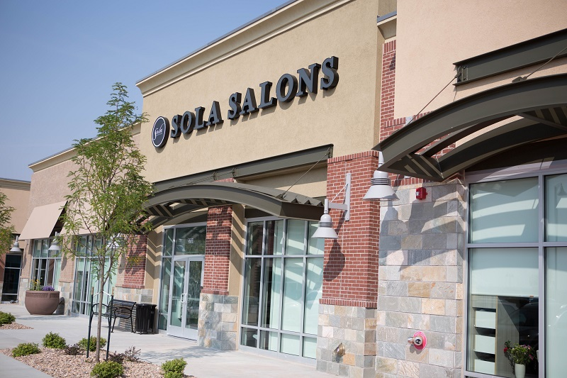 the outside of an Sola Salon Suites franchise
