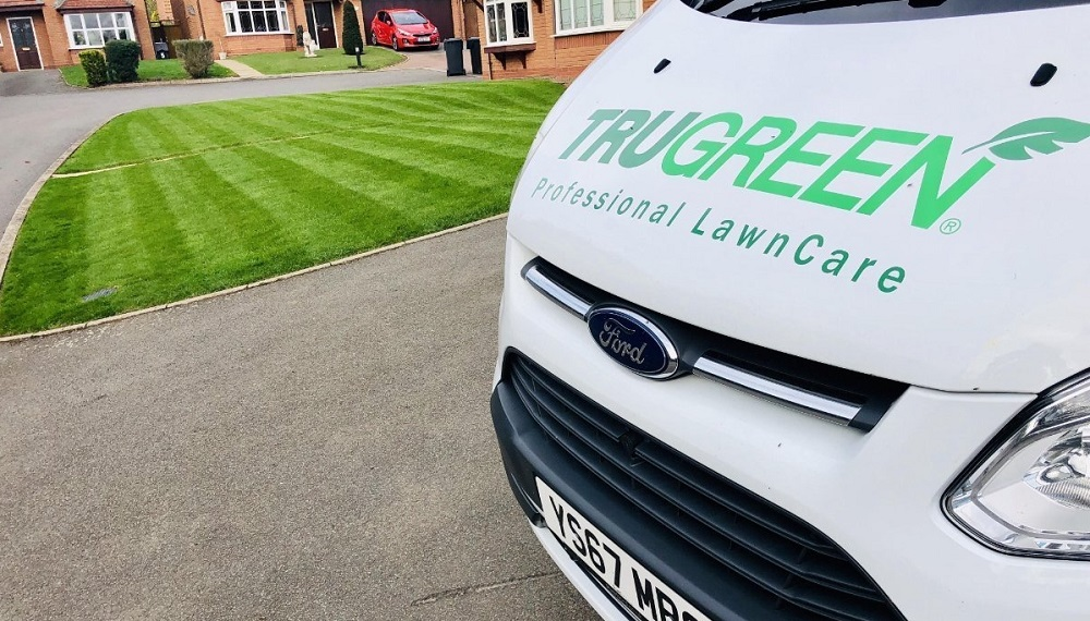 trugreen van next to lawn