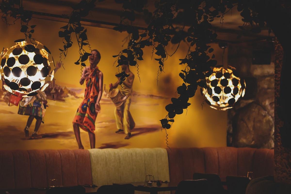 afrikana restaurant interior