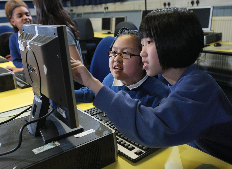 kids in computerxplorers class