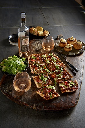 Crust pizza with wine