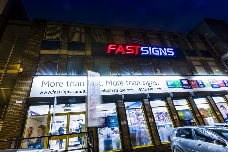 Fastsigns international sign franchise