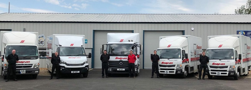 snap-on franchisees next to vans